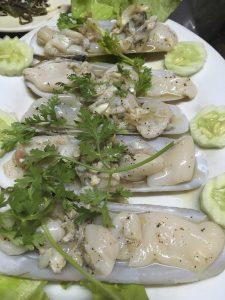 レーダンで貝を生で食らう